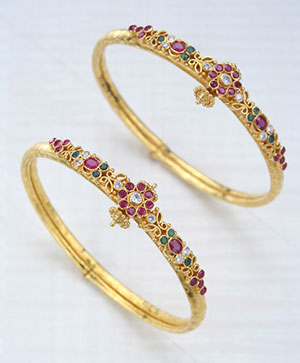 Decorative Gold Bangle