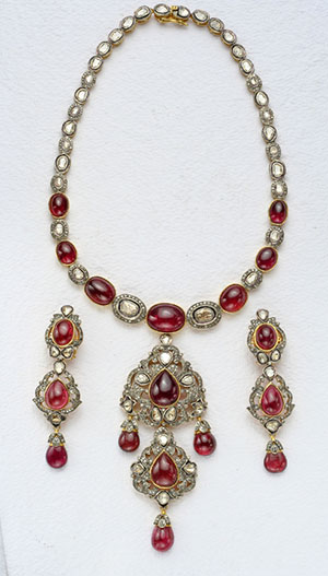Beautiful Victorian Necklace Set