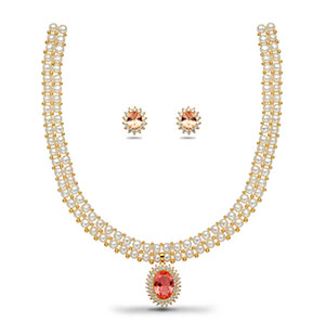 Feminine Pearls Necklace Set