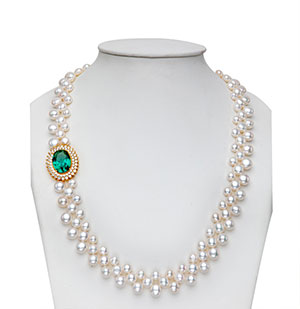 Sparkly Side Piece Pearls Necklace Set
