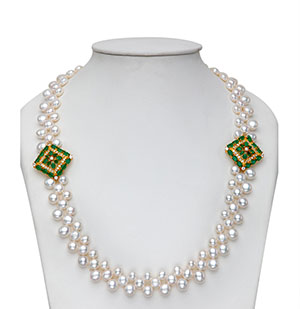 Vintage Side Pieces Pearls Necklace Set